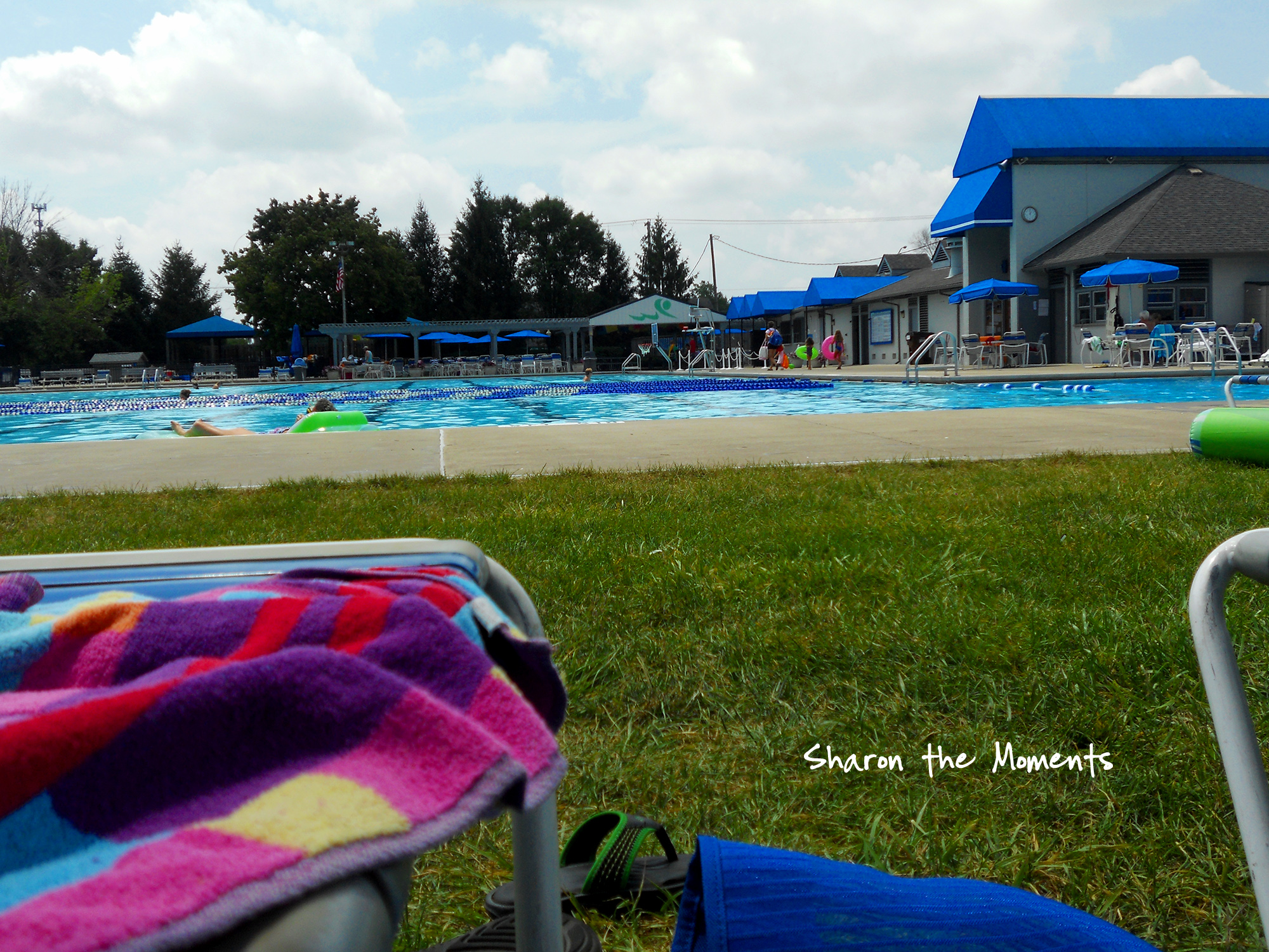 Enjoying Hot Summer Day at the Pool|Sharon the Moments blog