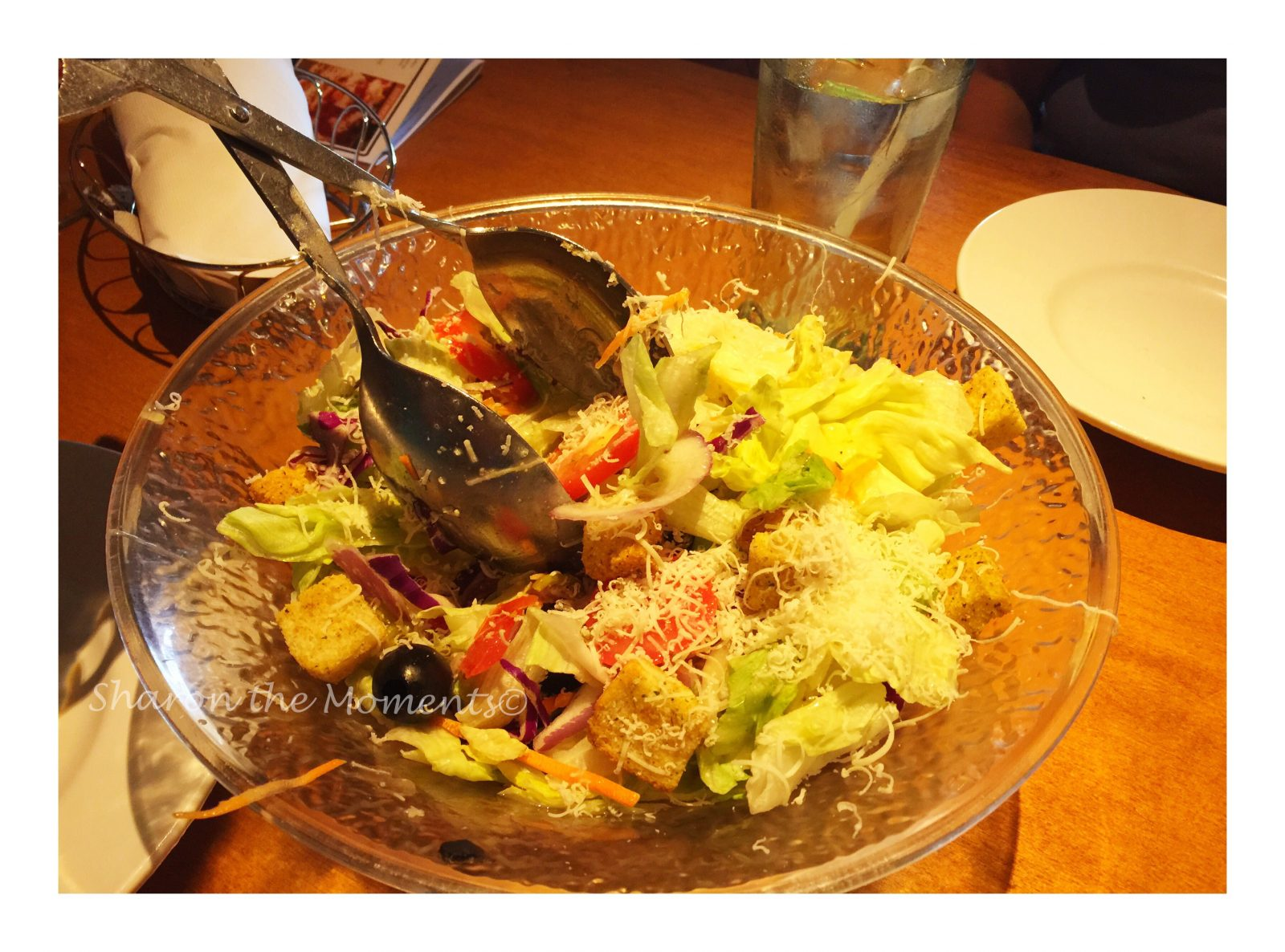 Ladies Night at the Olive Garden || Sharon the Moments Blog